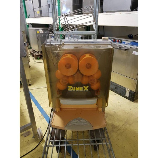 Zumex 100 Orange Filling Machine Juicers