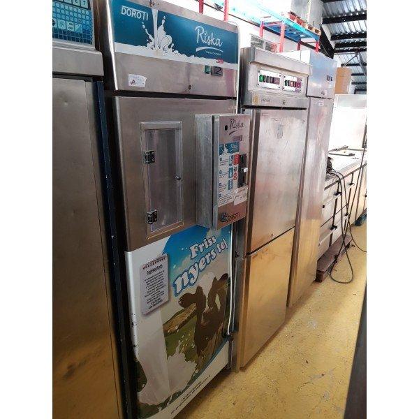 Risk DTF 100 - Automatic Milk Dispenser - 700 liters RM back cooler Background coolers