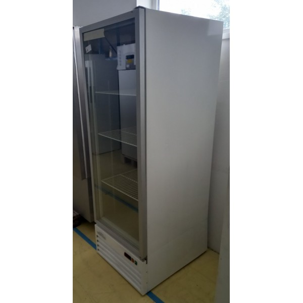Crown Cool Refrigerated display case with glass door Glass door fridges