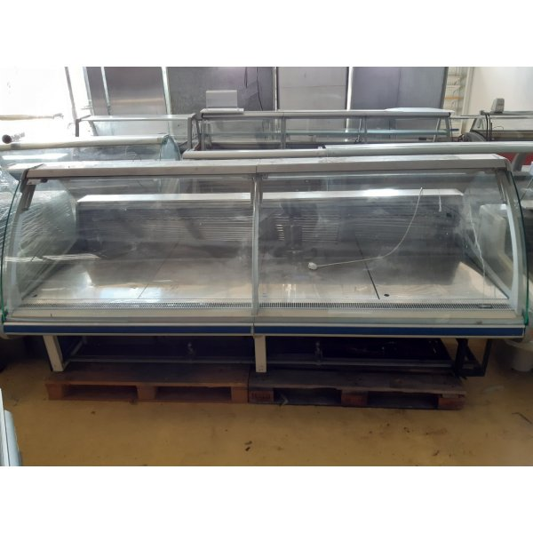 Arneg delicatecy counter  2.65 m Refrigerated counter