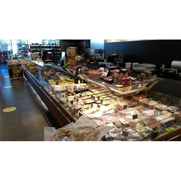 3-unit delicacy with warmer 10.6 m without machinery Refrigerated counter