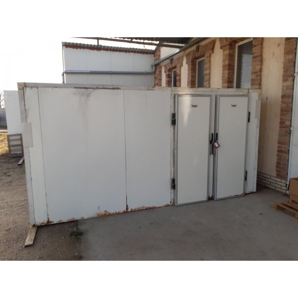 Twin chamber with mechanical engineering Walk-in freezer / chiller