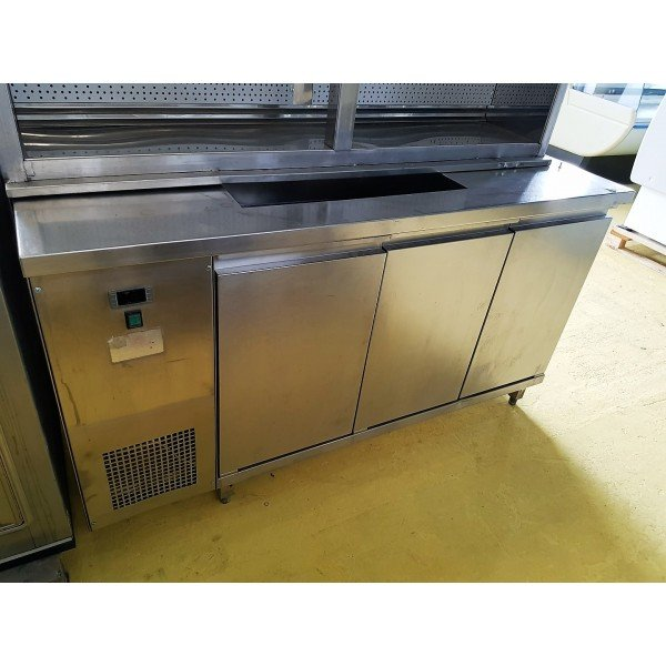 3-door refrigerated worktable with 2xGN1 / 1 cold storage Refrigerated bench / table