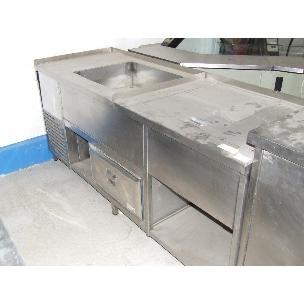 1 refrigerated drawer work table (H17)  Refrigerated bench / table