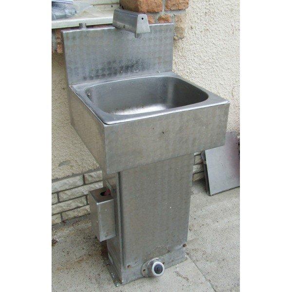 Resistant stainless steel, pedal handwash  Wall mount handwash sink