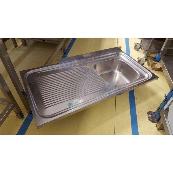 Built-dropper sinks Sinks