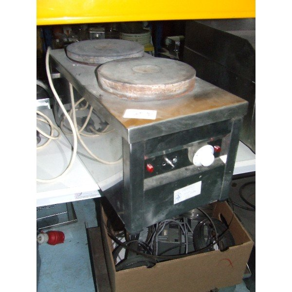 Two flat Cooker  Cookers
