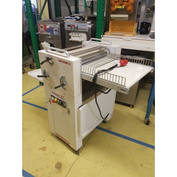 Pietroberto Emme 2C - Croissant rolling machine  Bakery machinery / equipment